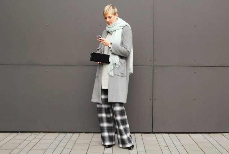 letters&beads-fashion-oversized-lagenlook-in-grau-schattierungen_5