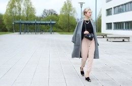 letters beads-fashion-Business-Look-Mules-Mantel-trompeten-ärmel-nude-hose-tipps-gute-kooperation-2