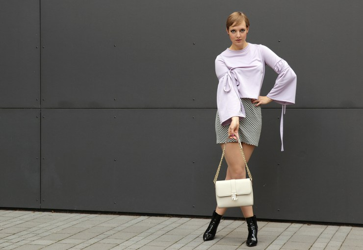 letters_and_beads_editorial-fashion-60s-retro-look-twiggy-dramatic