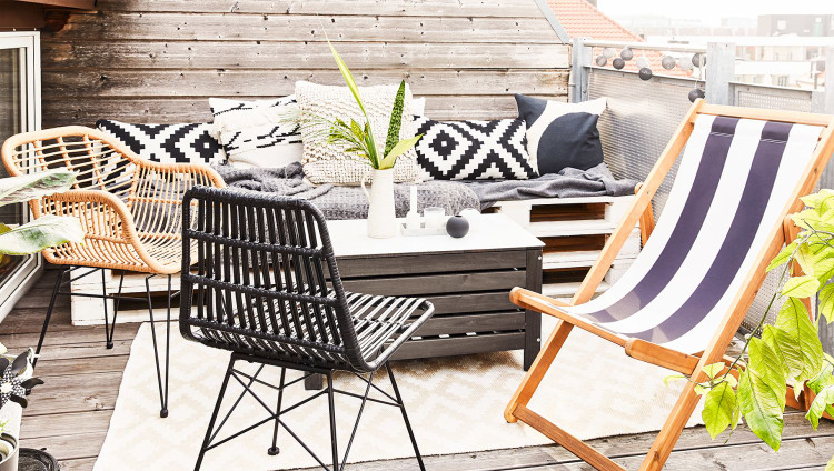 letters_and_beads_fashion_beauty_diy_terrasse_balkon_westwing_kissen_teppiche_textilien_outdoor