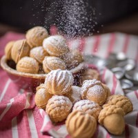 Oreshki - Walnut Shaped Cookies with Dulce De Leche