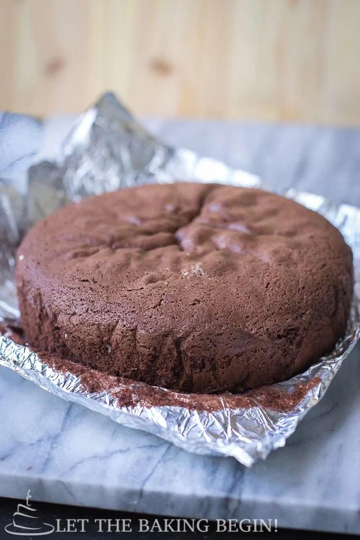Ingredients to make 1 kg chocolate cake