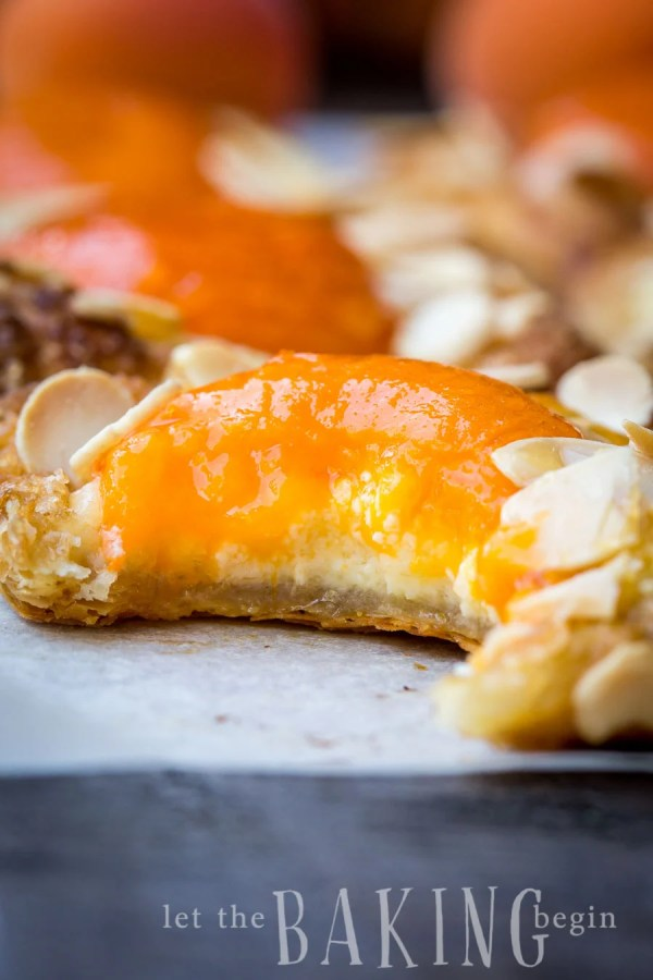 Apricot Almond Pastries - Flaky puff pastry filled with cheesecake, fresh apricot and flaked almonds | Let the Baking Begin!