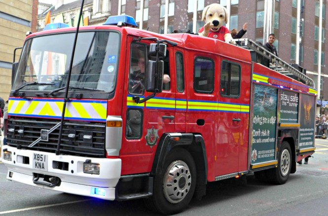 manchester day parade 2015