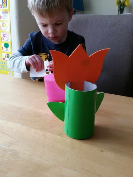 tulip pen holder