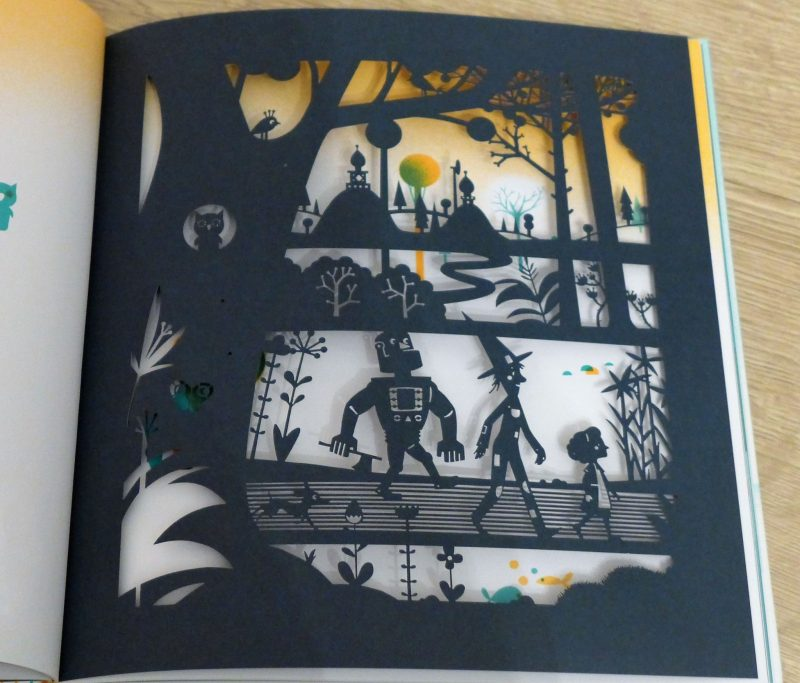 wizard of oZ paper cutting