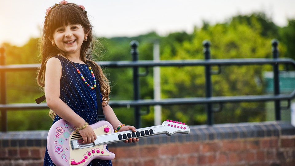 Reasons to Enroll Your Child in Music Camp for Kids