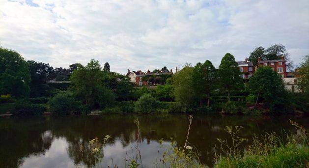 Shrewsbury, Inghilterra: case lungo il fiume Severn