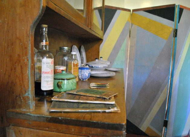 Monk's House, Rodmell, Virginia Woolf: cucina, credenza