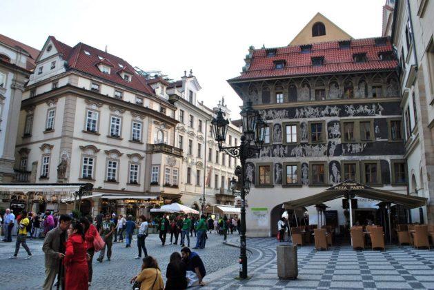 Praga, Casa al Minuto