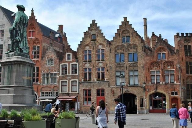 Viaggio letterario a Bruges, Jan van Eyckplein
