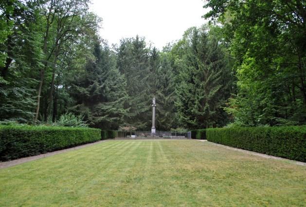 Schloss Tegel, cimitero di famiglia, colonna della speranza