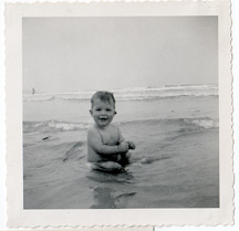 GERRY_BABY_AT_BEACH_small