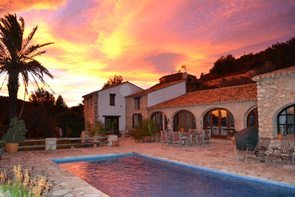 Casa de campo en Senija  Comprar y vender casa en Calp Benidorm Altea Moraira AlicanteLeukante Realty SL