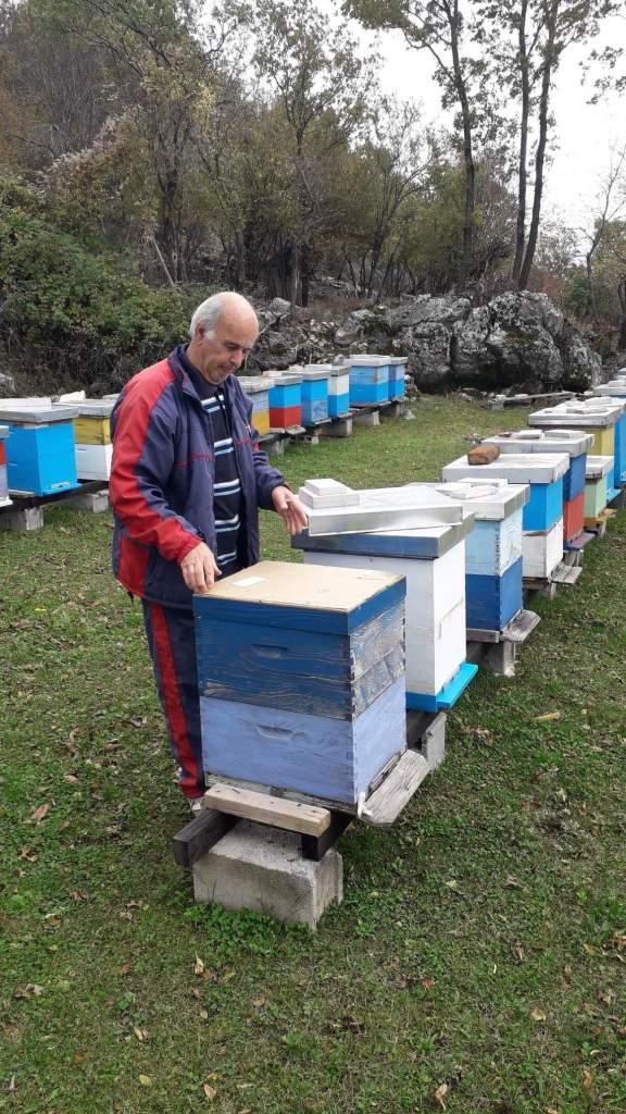 Leutar.net PČELARU BOŽIDARU VOJČIĆU ZLATNA MEDALJA ZA KVALITET MEDA