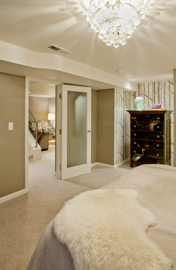 Retro-Transitional master suite