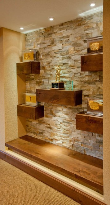 Italian-Traditional recessed shelving