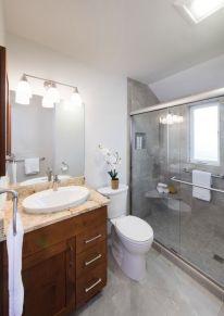 Green Bluff Bathroom 4