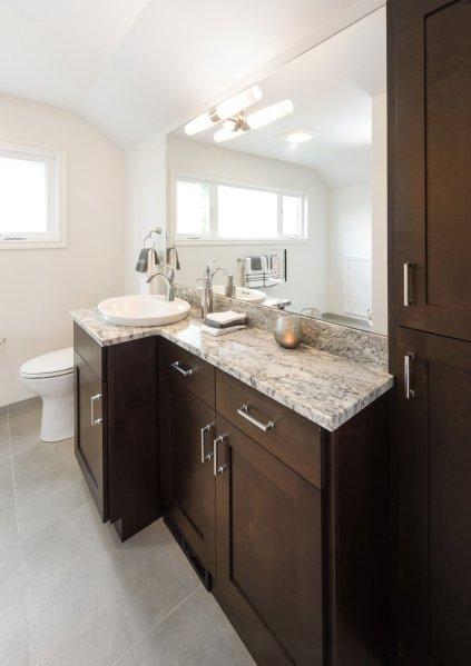 Green Bluff Bathroom 2