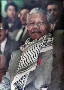 Mandela wearing kufiyeh