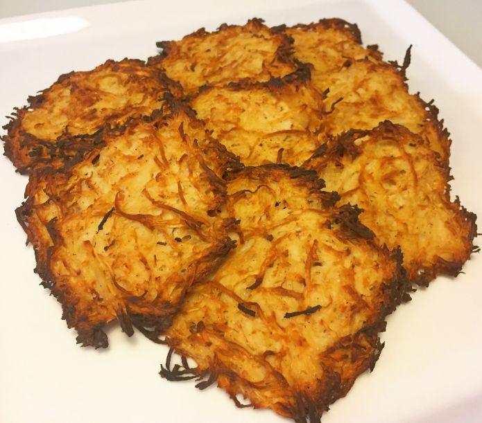 Sprøde knoldselleri-rösti med hvidløg og parmesanost - Rodfrugt-røsti