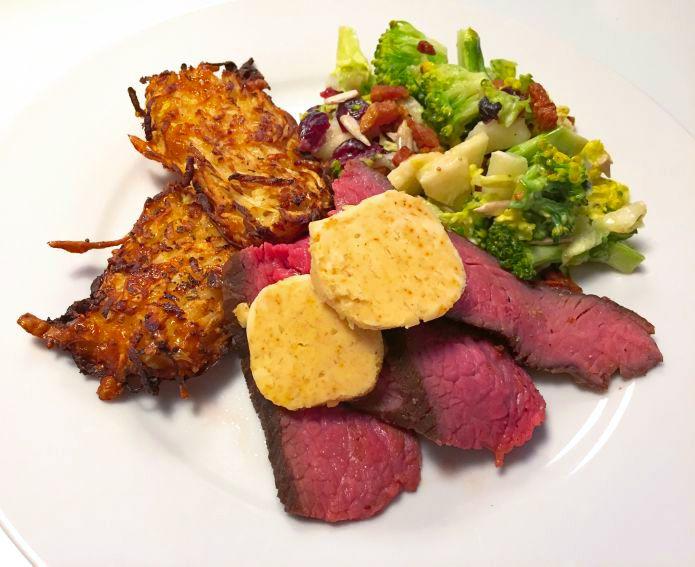 Ultramør kalveculotte med sprøde knoldselleri-kroketter og broccolisalat