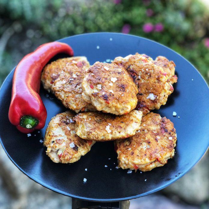 Saftige paprika-frikadeller med rød peber og havsalt » Favorit
