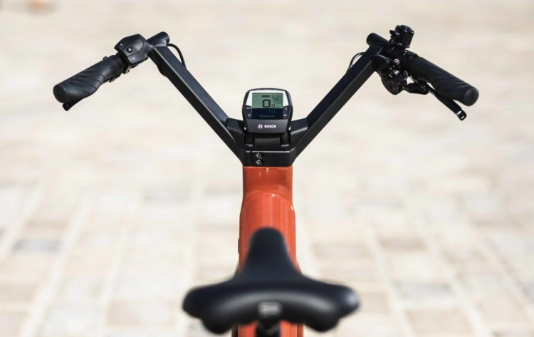display-moustache-bike-urbain