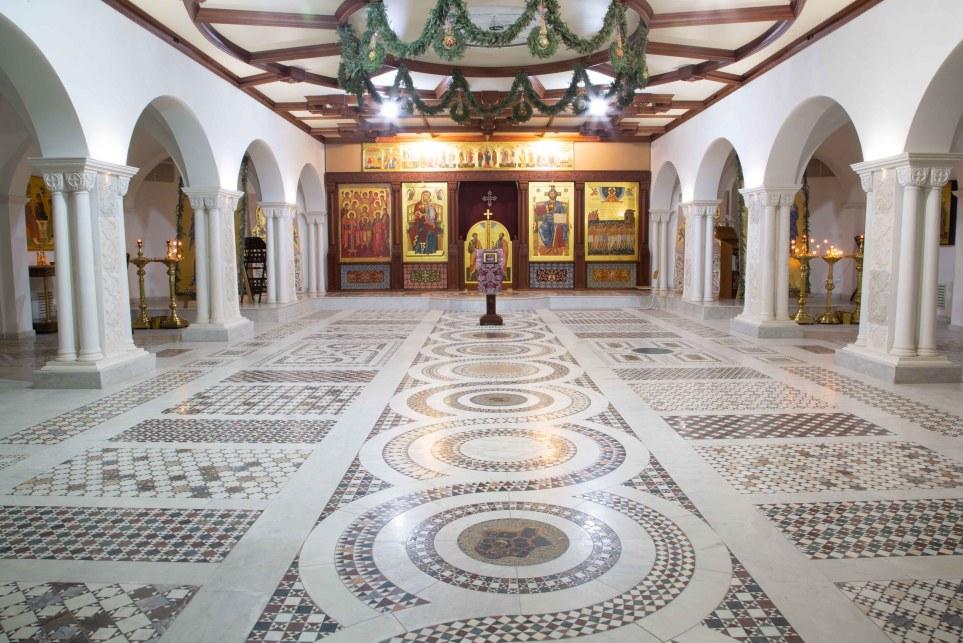 пол в храме с уникальными орнаментами