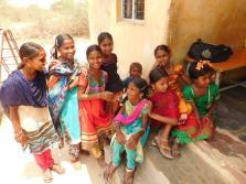 Blije kinderen op Corina school (wij betalen groot deel salaris leraren)