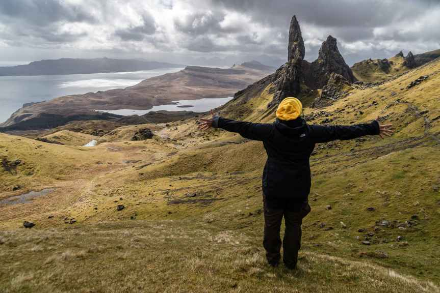 Netflix Presents Outlander Series Review | Leverage Ambition