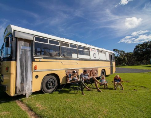 Downsizing Families - We live on a bus - Bus Family