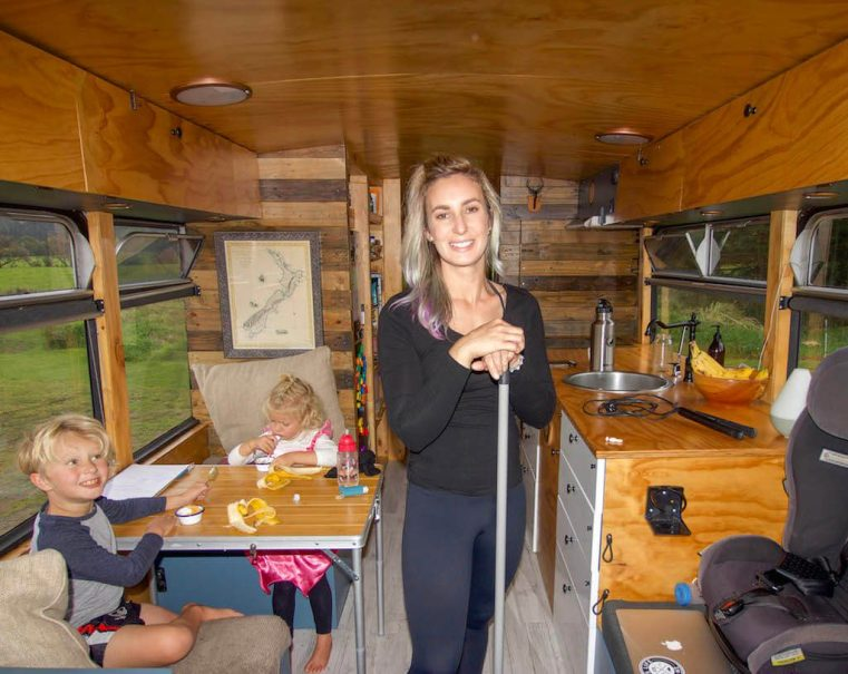 Downsizing Families - We live on a bus - cleaning. The Leveraged Mama.