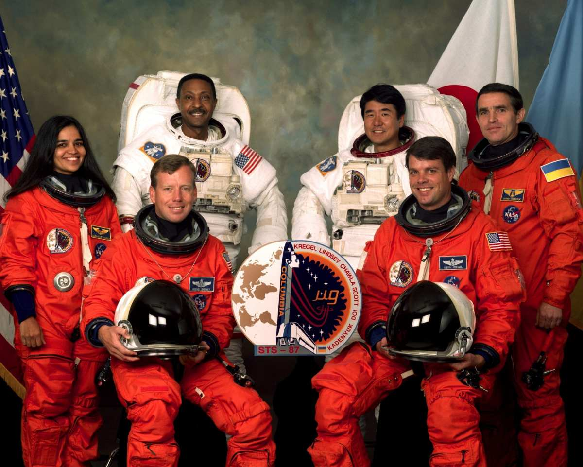 The Quest of Kalpana Chawla: From Flying Paper Aeroplanes to Becoming the  First Indian-American Woman in Space - 1st Indian Woman in Space - Leverage  Edu