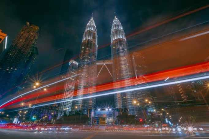 Malaysia Twin Towers a Sign of Financial Services Strength