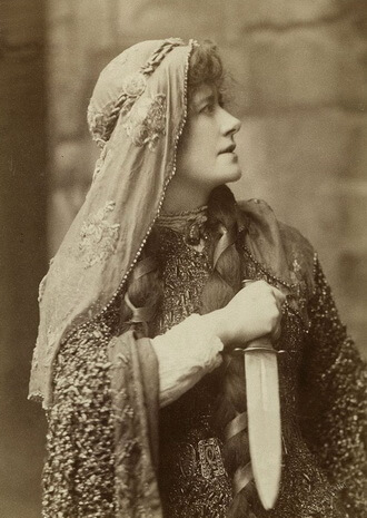Ellen Terry in Lady Macbeth in 1888