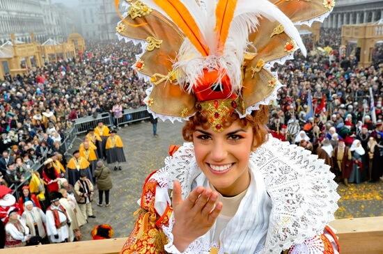 Carnaval venetia gondola caragiale pastisa