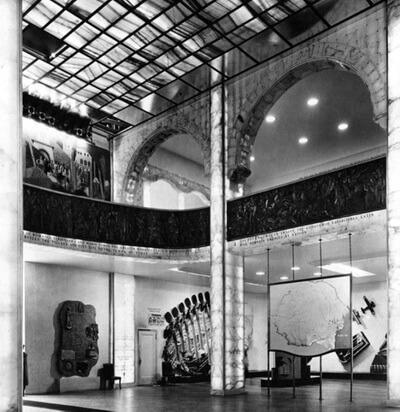 Interior Pavilionul Românieila Expoziția Universală New York 1939–1940
