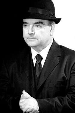 """Mircea Constantinescu în spectacolul """"Cinci piese scurte"""" de Eugène Ionesco"""