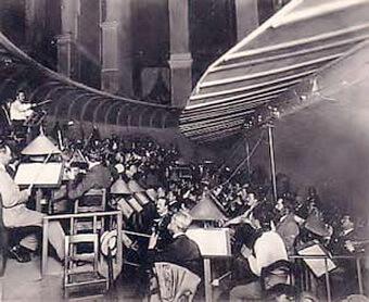 Fosa teatrului wagnerian de la Bayreuth