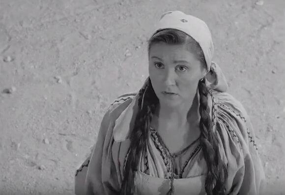 Mitzura Arghezi în filmul Doi Vecini