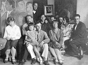 Nina Arbore în atelierul lui Matisse (în dreapta, cu bentiță)
