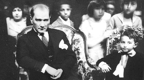 Atatürk și copiii