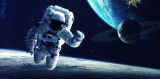 cosmonaut in spatiu