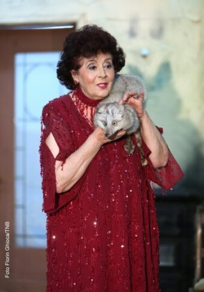 Adela Mărculescu în rolul Stăvăroaia