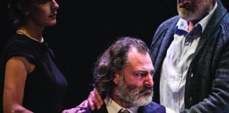 """Imagine din spectacolul """"Tous des oiseaux"""" de Wajdi Mouawad, Teatrul Național de la Colline din Paris"""