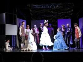 """Imagine din spectacolul """"Figaro"""" după """"Nunta lui Figaro"""" de Beaumarchais, Teatrul """"Nottara"""" din București"""