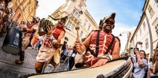 """""""Frenezia Carnavalului din Lanzarote"""". Fotografie de Dragoș Dumitru"""