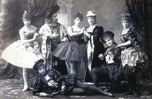 Fotografie de la premiera absolută a baletului, Teatrul Mariinsky, Sankt Petersburg,15 ianuarie 1890