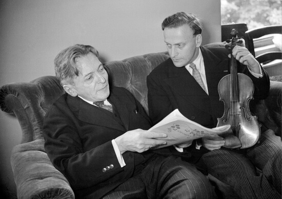 George Enescu și Yehudi Menuhin, Paris, 1952. Foto AFP